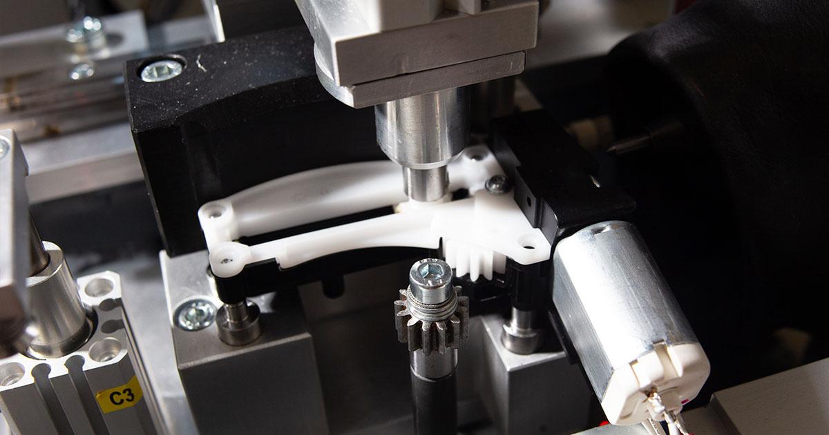 Testne celice za 100 % končno kontrolo na montažni liniji
